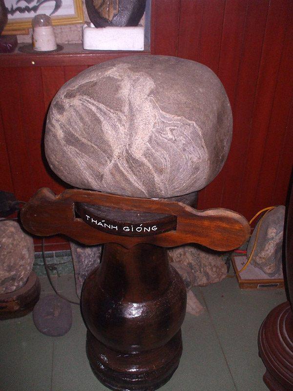 đá cảnh mộ đức thánh giống